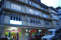 Hotel Kingstone, Middle Pelling